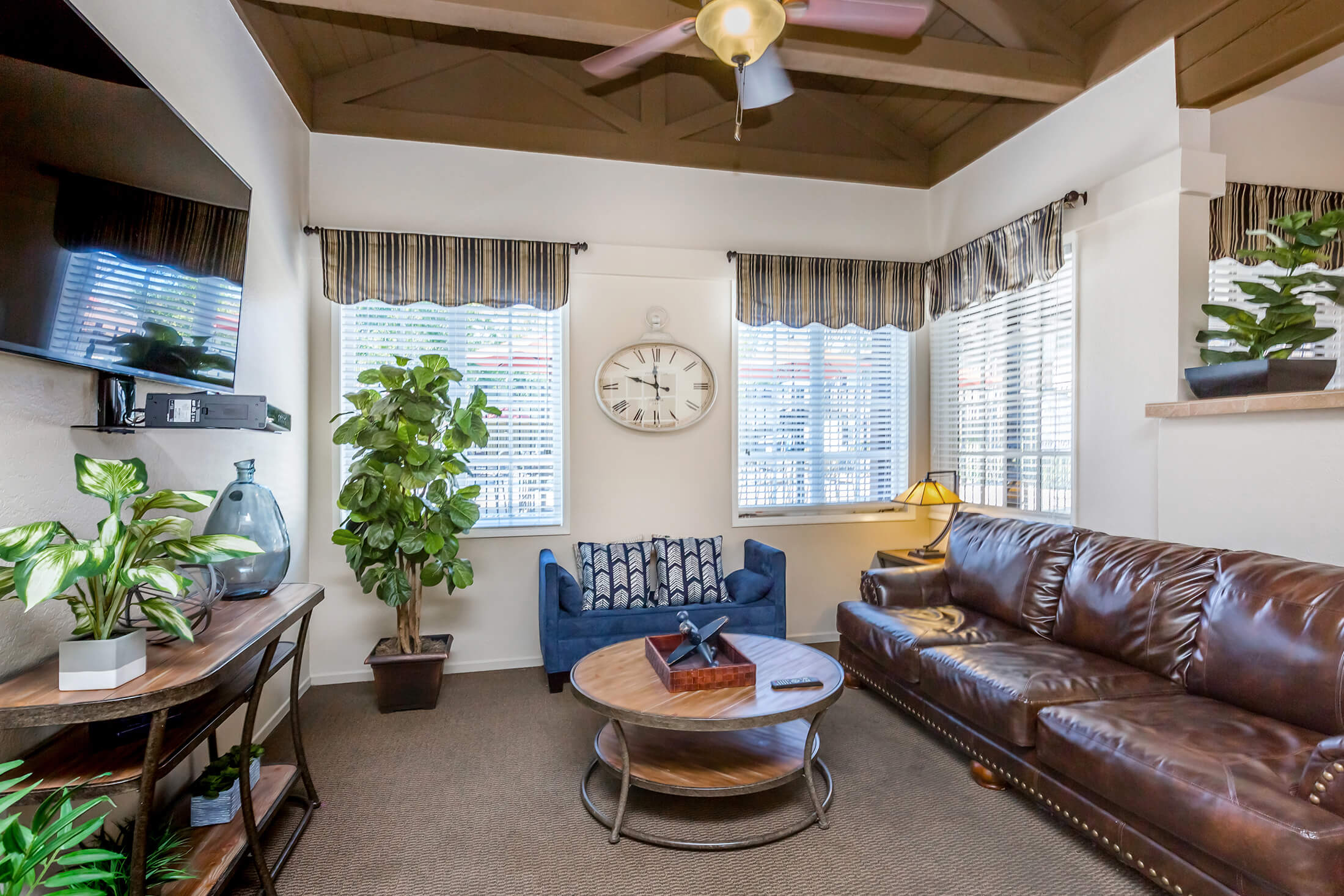 Country Hills Apartment Homes Apartment Homes In Brea Ca